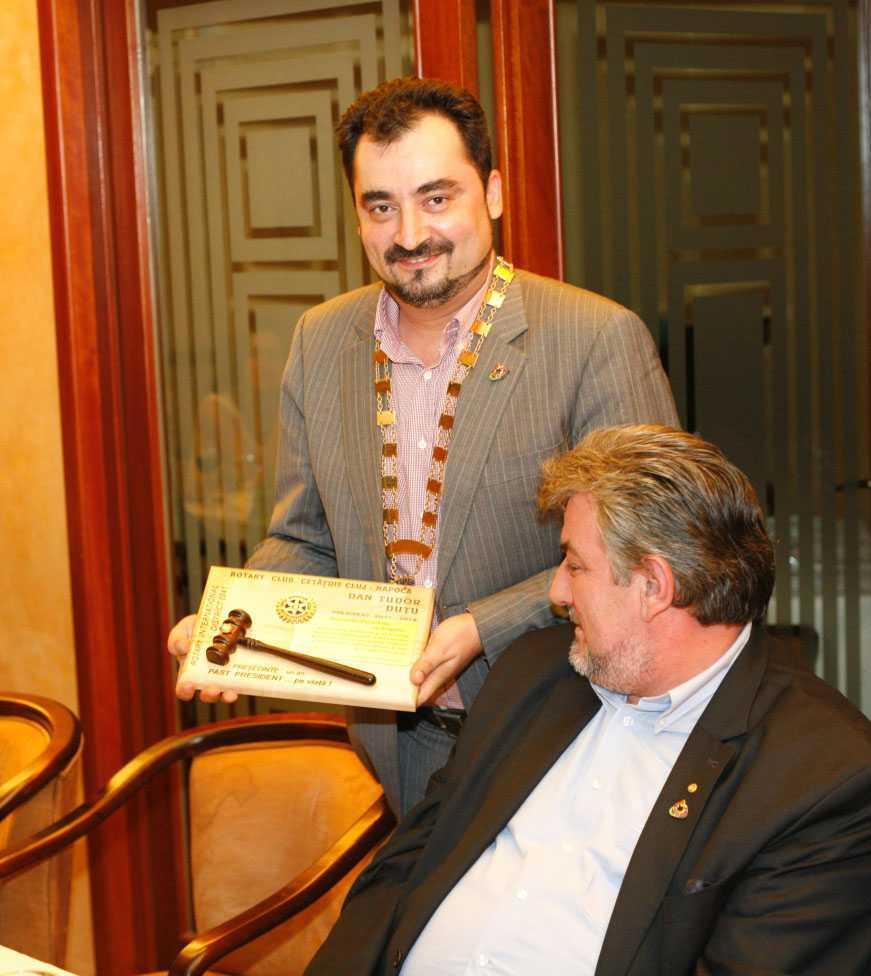 <i>Preotul Ioan Chirila</i>, fostul decan al Facultatii de Teologie din Cluj, MEMBRU DE ONOARE AL <i>ROTARY CLUB</i>!