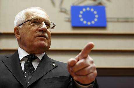 Presedintele Cehiei, VACLAV KLAUS RESPINGE CATEGORIC FEDERALIZAREA EUROPEANA. <b><i>UE seamana cu URSS. Adoptarea Euro ar fi o prostie</i></b>