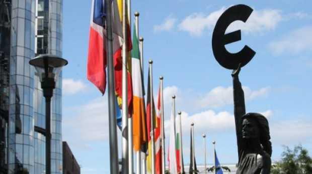 Polonia si Suedia RESPING proiectul UNIUNII BANCARE EUROPENE avansat de Barroso si preluat slugarnic de Traian Basescu