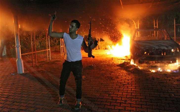 VIOLENTE PROVOCATE DE UN FILM ANTI-ISLAMIC: Ambasadorul SUA din LIBIA ucis, proteste violente anti-americane in YEMEN si EGIPT