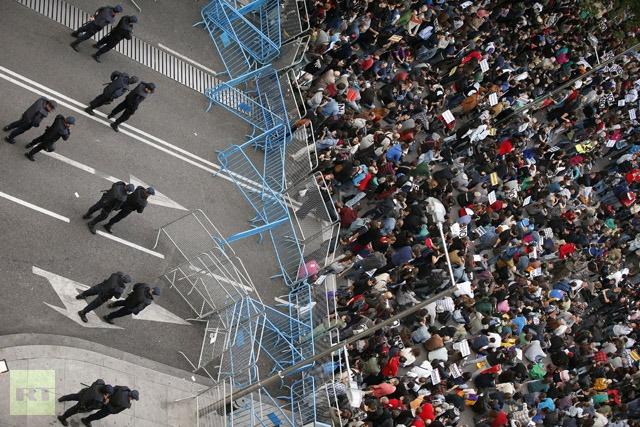 """FURIE POPULARA la Atena si Madrid. <b>""""Destul. Este de ajuns!""""</b> (VIDEO)"""