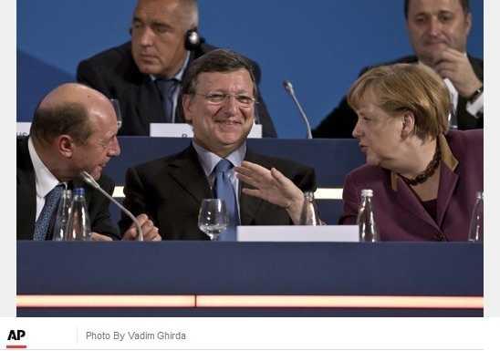 Ce nu spune Traian Basescu despre UNIUNEA BANCARA/ Germania isi oficializeaza DOMINATIA asupra EUROPEI/ <b>Bulgarii si romanii, CETATENI DE MANA A DOUA IN UE</b>