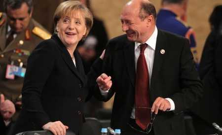 Traian Basescu sufla in panzele STATELOR UNITE ALE EUROPEI la CONGRESUL PPE/ Popularul LASZLO TOKES vrea FEDERALIZAREA Romaniei/ <b>NIGEL FARAGE: Van Rompuy este un PERICOL REAL pentru ROMANIA!</b>