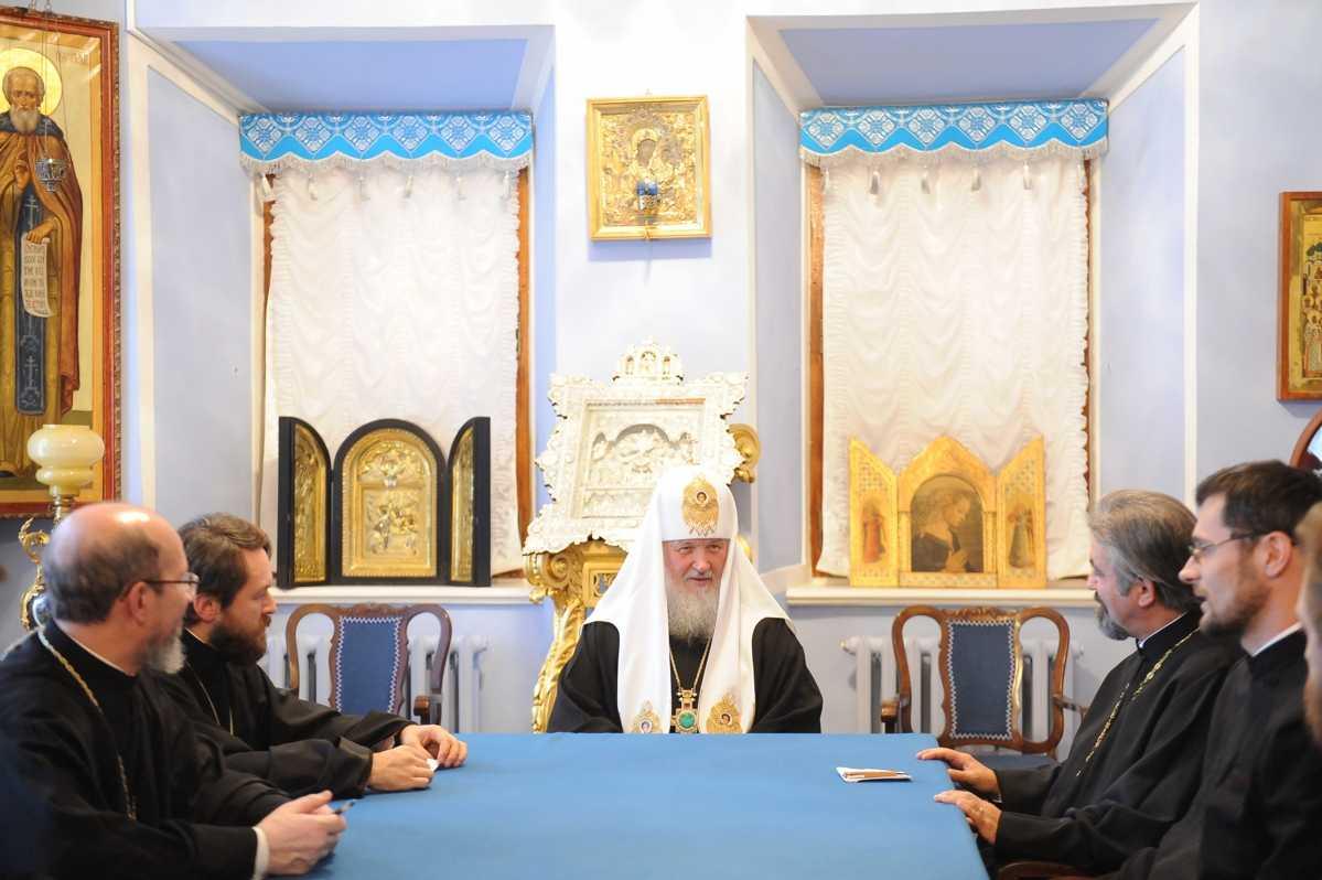 """Delegatie a Patriarhiei Romane in vizita la Patriarhul Kirill al Rusiei. Intaistatatorul rus: <i>""""SUNTEM CONSTIENTI DE PROVOCARILE DE AZI ALE CRESTINILOR DIN UNIUNEA EUROPEANA""""</i>"""