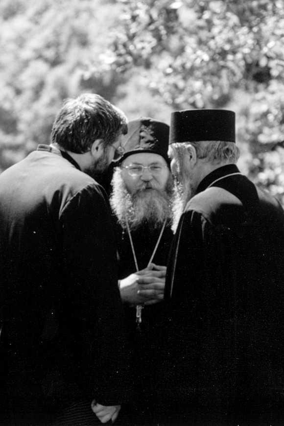 Parintele exarh ANDREI BARBU despre invatatura STARETULUI EFREM DE LA VATOPEDI – <b>restituirea adevarurilor esentiale si a duhului autentic al Ortodoxiei in vremurile cernerii</b>