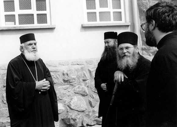 Parintele Metallinos si profesorul Tselengidis despre unitatea dintre DOGME SI FAPTE BUNE. <b>Marturisire curat ortodoxa – DUHOVNICEASCA si ANTIECUMENISTA – la IASI, o sansa rara pentru REVITALIZAREA TEOLOGIEI ADEVARATE IN ROMANIA</b>