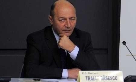 Traian Basescu, un presedinte STRAIN DE ROMANIA care MANIPULEAZA ca la carte