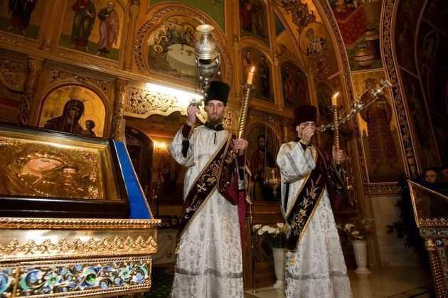 """BLESTEME INTRE FRATI: <b>Eparhia de Balti a Mitropoliei Moldovei anatemizeaza sarbatorirea Craciunului pe stil nou!</b>/ CUVANT EXCEPTIONAL AL JURNALISTULUI PAVEL PADURARU: """"<i>Minciuna este numele noului dumnezeu""""</i>"""