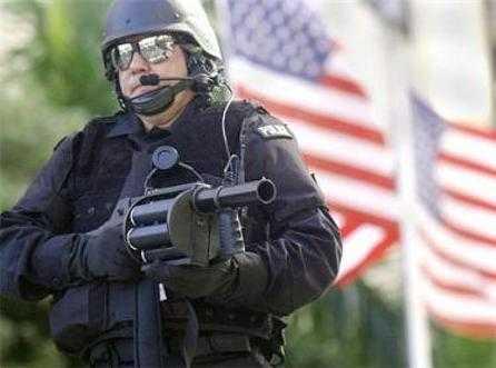 POLITIA SUA UCIDE 2 PERSOANE PE ZI/ Programul NSA de colectare a datelor telefonice – SUSPENDAT