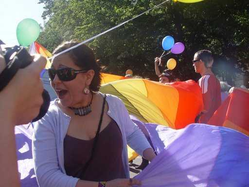 """ACTIVISTII """"drepturilor gay"""" de la LICEUL COSBUC pun presiune pe institutii. E necesara interdictia PROPAGANDEI HOMOSEXUALE din scoli"""