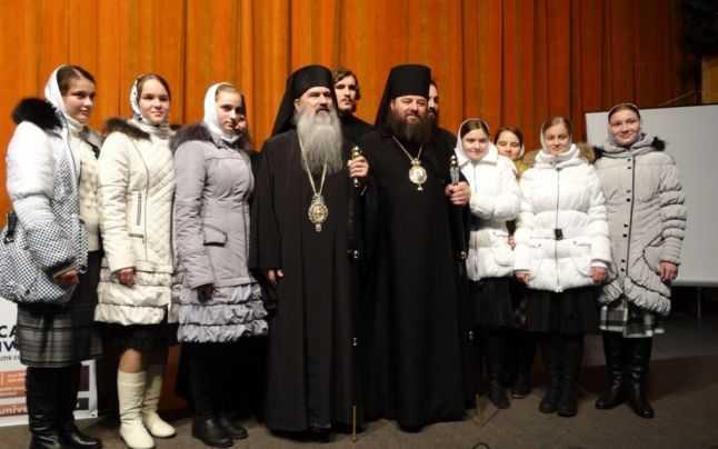 Împreună cu arhiepiscopul Teodosie FOTO Radio Dobrogea