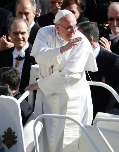"""GHERONDA NECTARIE – mesaj de """"felicitare"""" pentru papa Francisc/ CINE SUNT IEZUITII si CINE ESTE """"PAPA NEGRU""""?/ Papa – asteptat cu nerabdare in Israel/ DOCUMENTAR TVR despre asa-zisa <i>""""profetie"""" a papilor""""</i> (VIDEO)"""