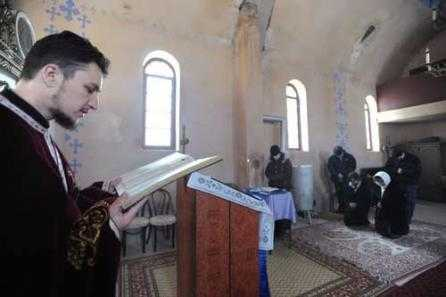 un-misionar-ungur-tine-aprinsa-candela-ortodoxiei-la-pasareni-18388644