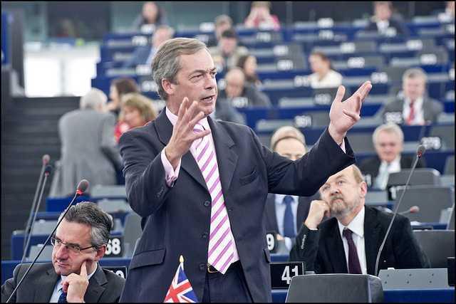 NIGEL FARAGE catre Comisia Europeana: <i>&#8220;<b>Sunteti niste criminali de drept comun</b>! Aceasta UE este NOUL COMUNISM, este PUTERE FARA LIMITE!&#8221;</i> (video)