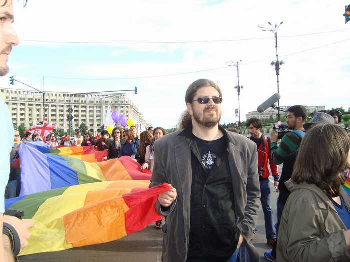 PROVOCATORUL DE SERVICIU: militantul Cernea si propaganda homosexuala din POSTUL MARE