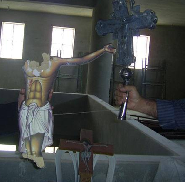 Oribil: cleric catolic DECAPITAT de rebelii anti-Assad din SIRIA alaturi de ajutoarele sale [marturie video]