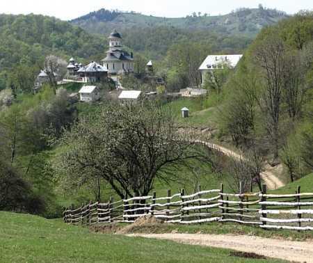 manastirea-afteia-cioara-1
