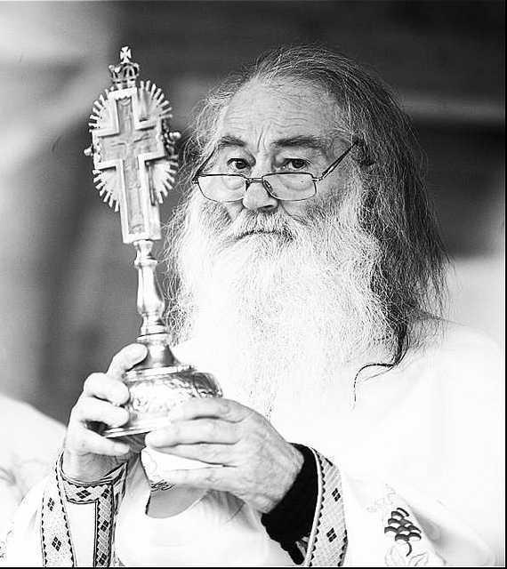 "<i>""Familia ortodoxa""</i>: PARINTELE IUSTIN SI-A FACUT DATORIA, ACUM VA VENI RANDUL NOSTRU SA FIM INCERCATI! <b>Semnul prigoanei noastre si chemarea la maturizare duhovniceasca</b>"