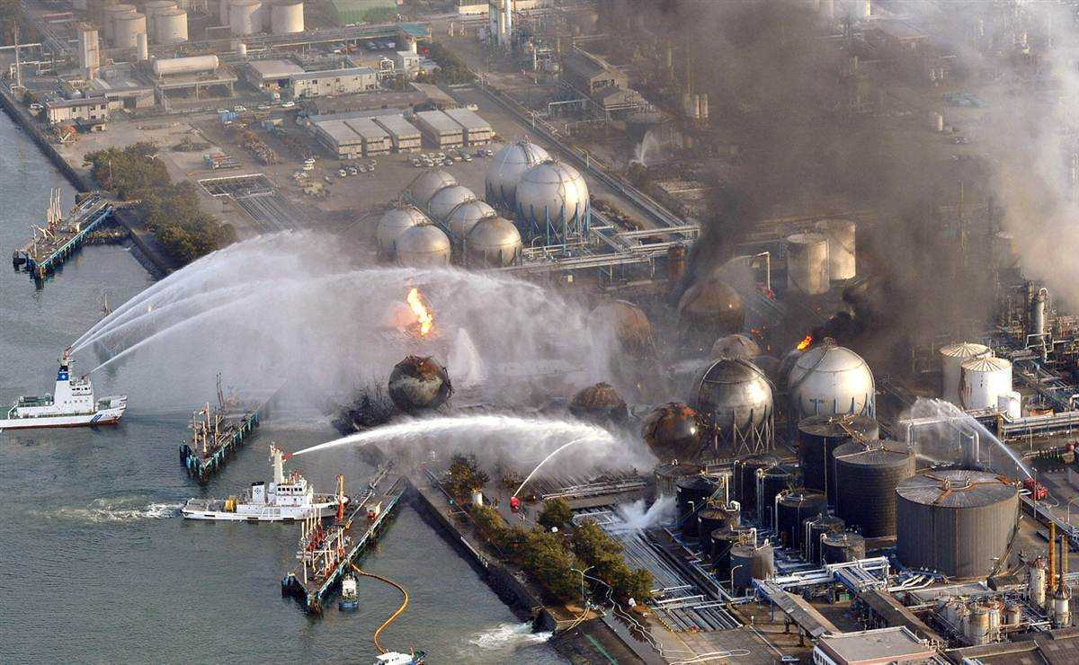 Fukushima: pericol de CONTAMINARE a oceanului cu APA RADIOACTIVA