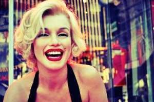 blonde-marilyn-monroe-smile-Favim.com-404785