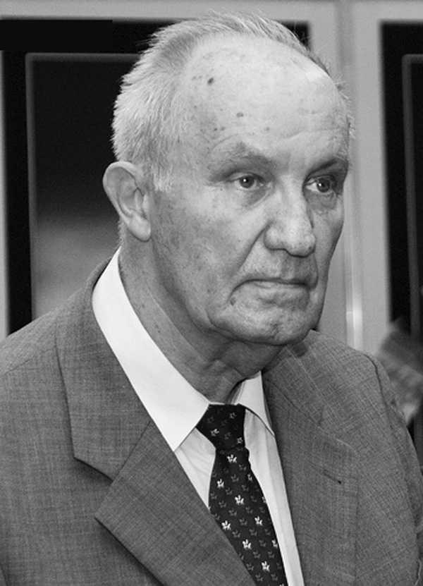 Academicianul Dinu C. Giurescu: <i>Încotro ne îndreptăm, Doamne?</i> Semnalul de alarma al decanului de varsta al Parlamentului: <b>MERGEM CATRE DESTRAMAREA STATULUI SI A NATIUNII</b>