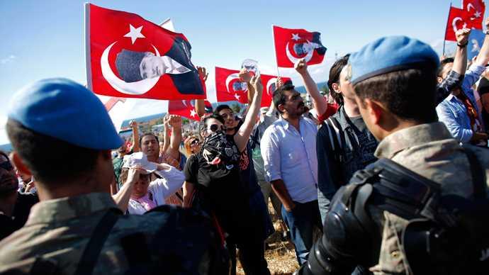 """CONDAMNARI PE VIATA pentru liderii """"complotisti"""" ai ARMATEI TURCIEI. Erdogan isi consolideaza """"SULTANATUL"""", dar risca noi AMPLE MISCARI DE STRADA"""