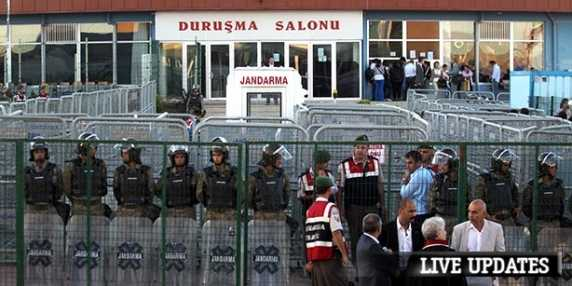 procesul-pucistilor-din-turcia-fosti-sefi-ai-armatei-turce-condamnati-pe-viata-pentru-complot-100408-1