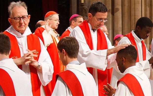Vaticanul ar fi dispus sa puna in dezbatere CELIBATULUI CLERICILOR
