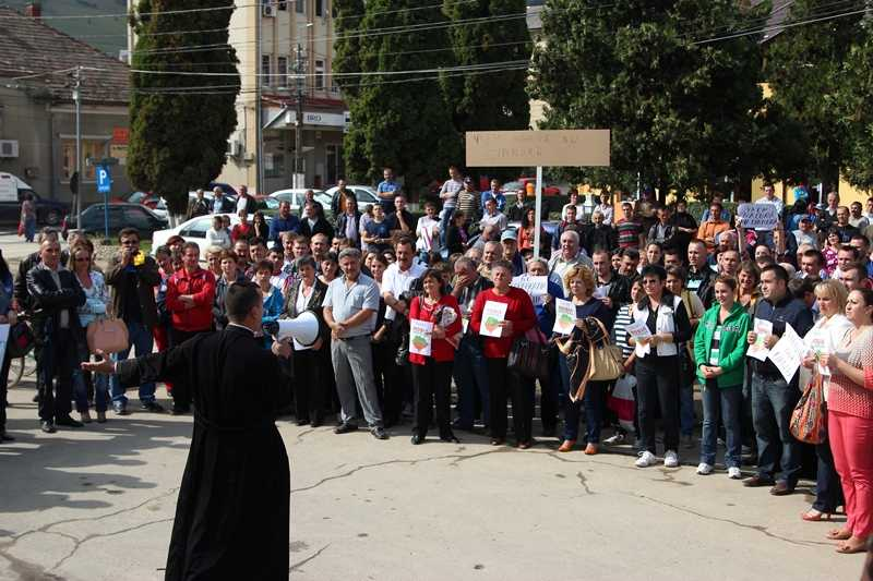 protest-campeni-parintele-cristian-motora