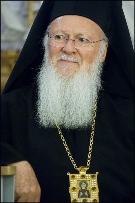 Patriarhul ecumenic Bartolomeu surprinde pozitiv: <i>BISERICA ORTODOXA NU RECUNOASTE, CI OSANDESTE CASATORIILE HOMOSEXUALE!</i>