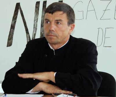 <b>Parintele Vasile Lăiu: EXPLORAREA SI EXPLOATAREA GAZELOR DE SIST ESTE <i>ILEGALA</i> [audio]</b>