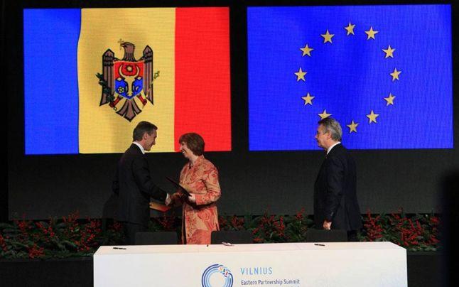 Înaltul reprezentant al UE Catherine Ashton şi Iurie Leancă au parafat Acordul de Asociere