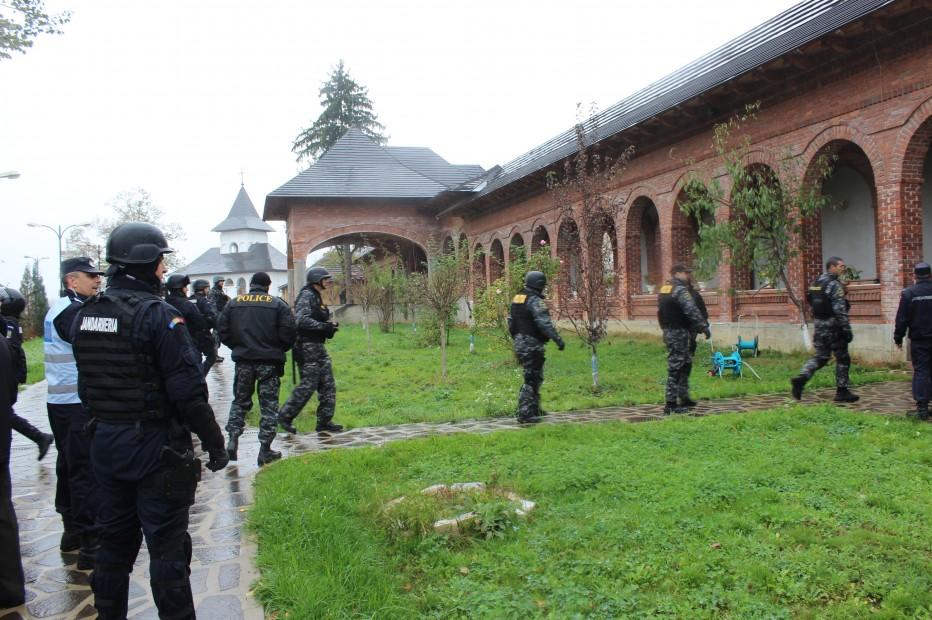 Manastirea-Bixad-001-932x620
