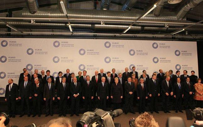 Poză de grup de la Summitul Parteneriatului Estic de la Vilnius