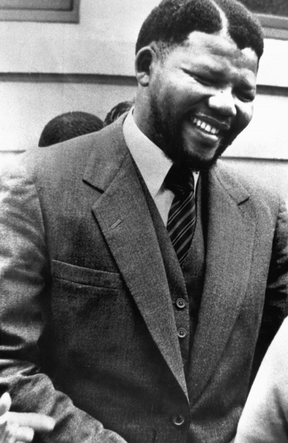 NELSON MANDELA, NOUL APARTHEID SI VECHII TICALOSI