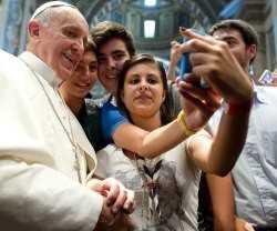papa_francisco_es_la_persona_mas_popular_en_internet_en_el_ano_2013