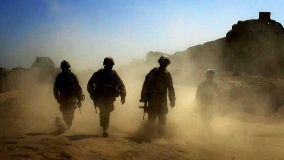 Soldatii britanici au TORTURAT si UCIS civili irakieni (VIDEO)