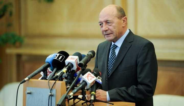 O fantoma bantuie Europa: NATIONALISMUL INTEGRAL(?)/ Ce mai zice George Friedman despre ROMANIA si UNGARIA/ Vizita lui Basescu la Berlin: NU A AVUT NIMENI TIMP DE …ROMANIA?