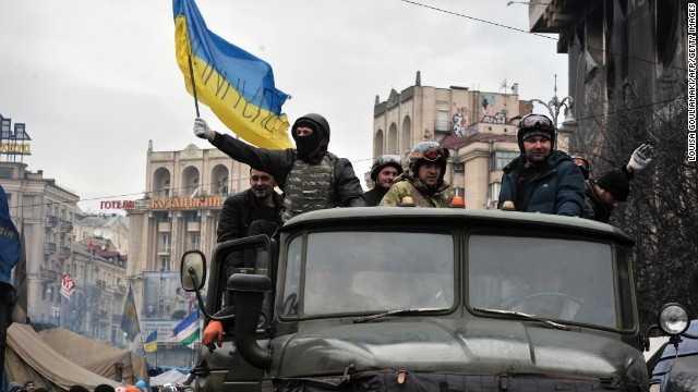 "ROMANII DIN CERNAUTI FATA CU ""REVOLUTIA"" UCRAINEANA/ <b>Mitropolitul Bucovinei a devenit primatul Bisericii Ortodoxe din Ucraina</b>/ SCHIZO-IPOCRIZIA OCCIDENTALA: TIMOSENKO vs. KLICIKO/ Ce primeste Ucraina? Bani de la FMI si vanzarea iluziei integrarii in UE ""pe termen lung"""