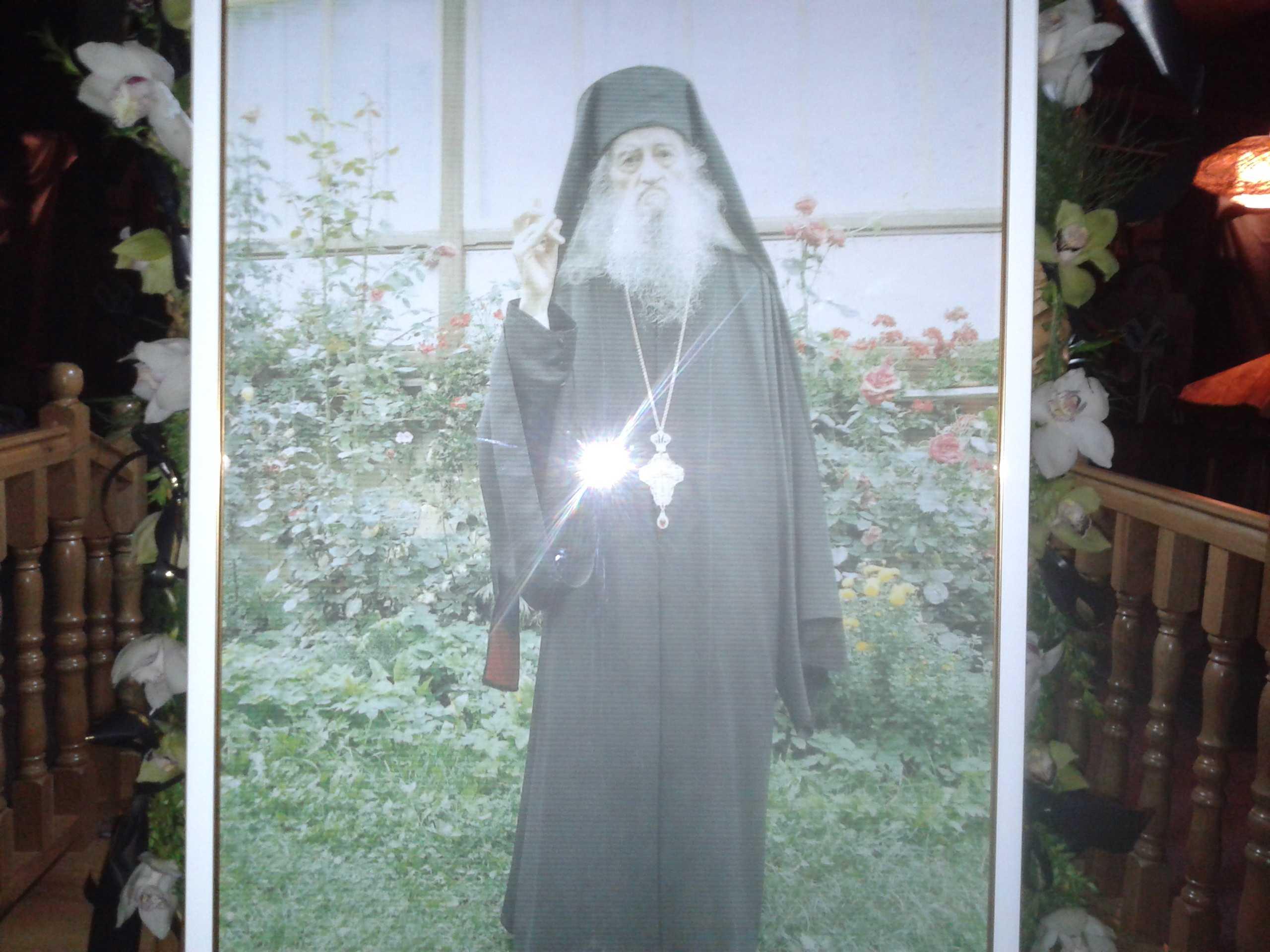 Venerabilul parinte ZENOVIE GHIDESCU de la Manastirea Nechit, duhovnicul parintelui Iustin Parvu, a trecut la Domnul (18 martie 2014) – [VIDEO si FOTO]