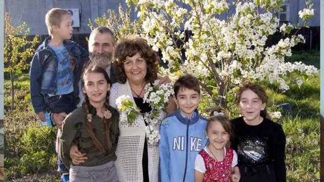 Familie credincioasa cu 5 copii MIOARA si VIOREL GRIGORE din Tartasesti