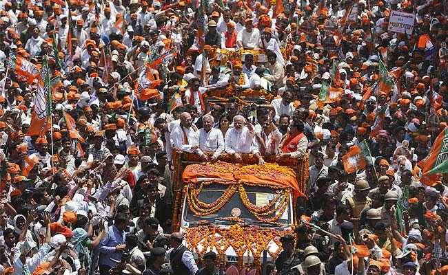 Narendra_Modi_procession_Top_Shot_AP_650_story