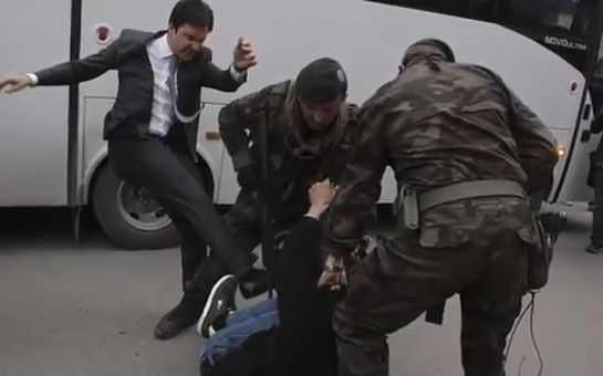 ERDOGAN – cat pe ce sa fie LINSAT de MULTIMEA FURIOASA din cauza TRAGEDIEI MINIERE (video). Proteste violente la IZMIR
