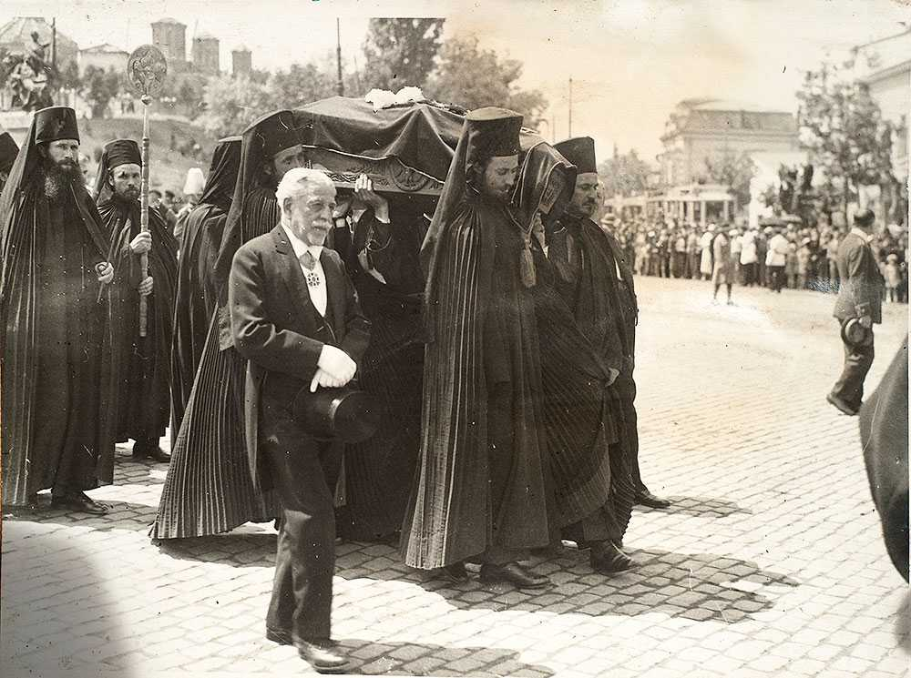 procesiunii---sicriul-domnitorului-c-tin-brancoveanu---21-mai-1934