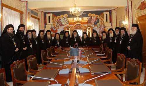 "<b>BISERICA GRECIEI CONDAMNA OFICIAL MASONERIA</b> ca <i>""SISTEM RELIGIOS INITIATIC SINCRETIST""</i>, reinnoind o decizie sinodala mai veche. PATRIARHUL ECUMENIC BARTOLOMEU NEAGA LEGATURA CU MASONERIA"