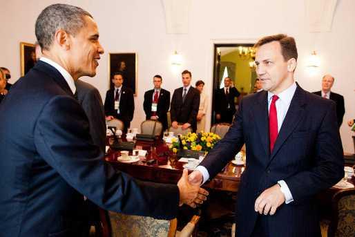 """<b>Ministrul de externe al Poloniei: <i>""""ALIANTA CU SUA NU VALOREAZA DOI BANI. MAI RAU FACE, CACI CREEAZA UN FALS SENTIMENT DE SECURITATE""""</i></b>/ Executii ale oficialilor statului irakian de catre ISIS"""