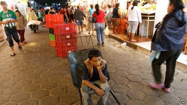 CAPITALISM SALBATIC. Bolivia legalizeaza MUNCA COPIIILOR de peste 10 ani