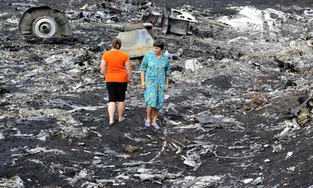 """ACUZATII DURE LA ADRESA RUSIEI, INVINOVATITA PENTRU DOBORAREA AVIONULUI MALAYESIAN/ Basescu vrea sa puna """"DEGETUL PE RANA""""/ """"Jefuirea mortilor"""" sau TOTI SUNT VINOVATI"""
