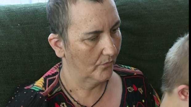 """<i>""""MARIA are 12 ani, dar e mama tuturor, inclusiv a mea, de la 8 ani ma ingrijeste""""</i>. Reportaj despre MIOARA GRIGORE la Romania TV <i>(VIDEO)</i>. Mama celor 5 copii mai are nevoie de inca 35000 $ pentru o ultima sansa la viata!"""