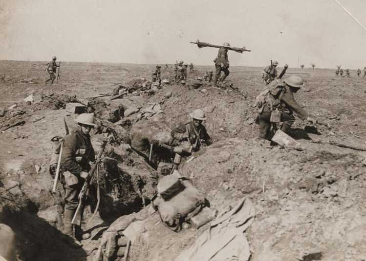 World-war-1-trench_2954206k_0